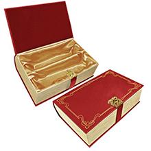 Элегантная коробка в виде книги с пряжкой