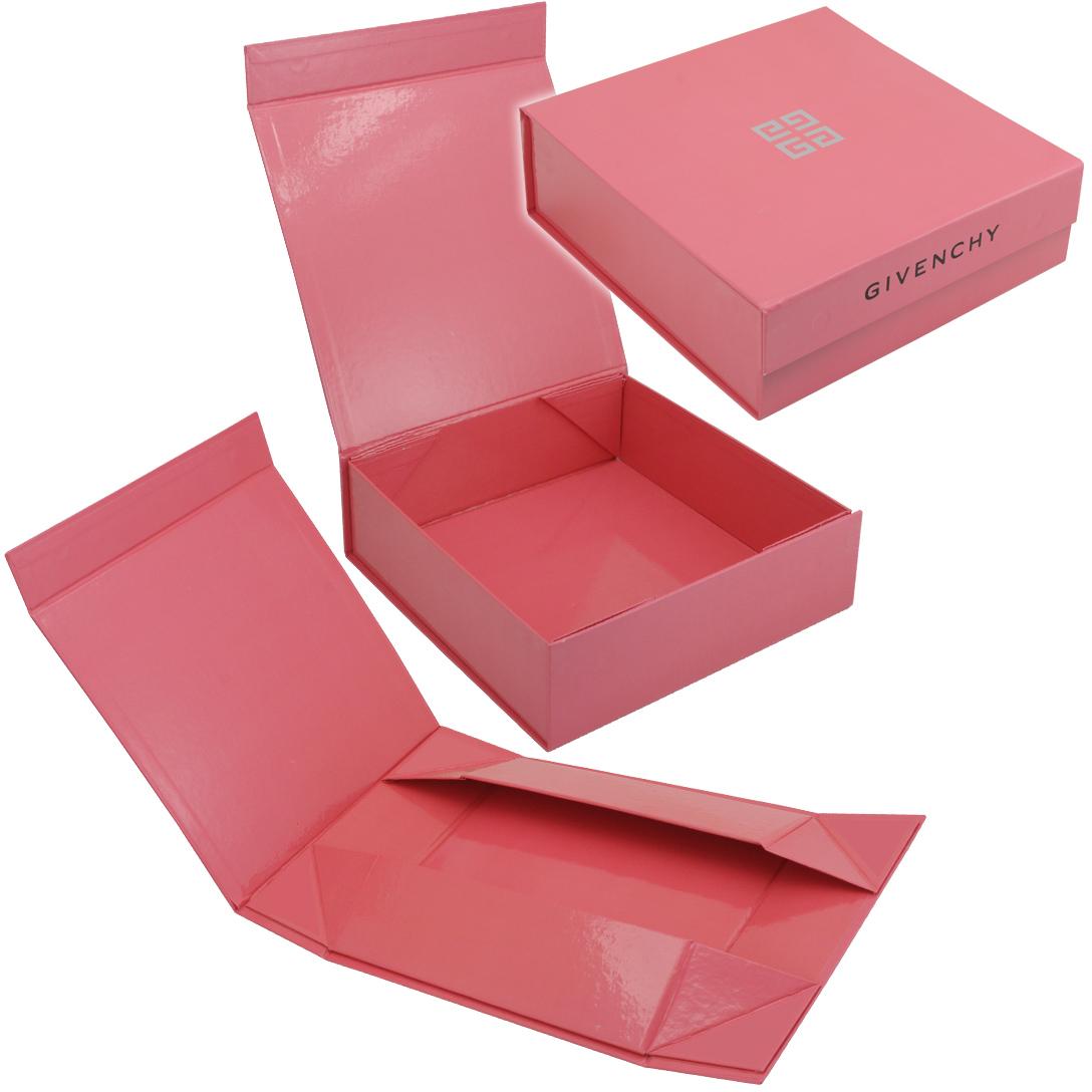 Самосборная коробка с клапаном на магните