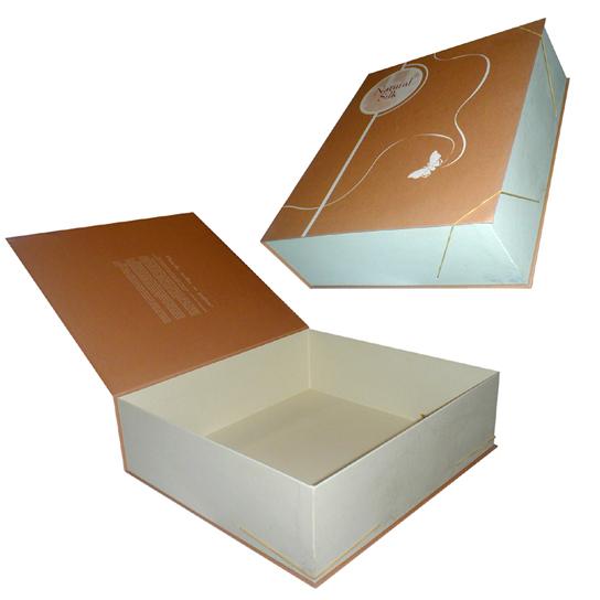 Подарочная коробка под одеяло