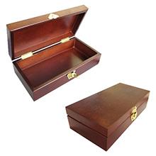 Деревянная коробка для подарка
