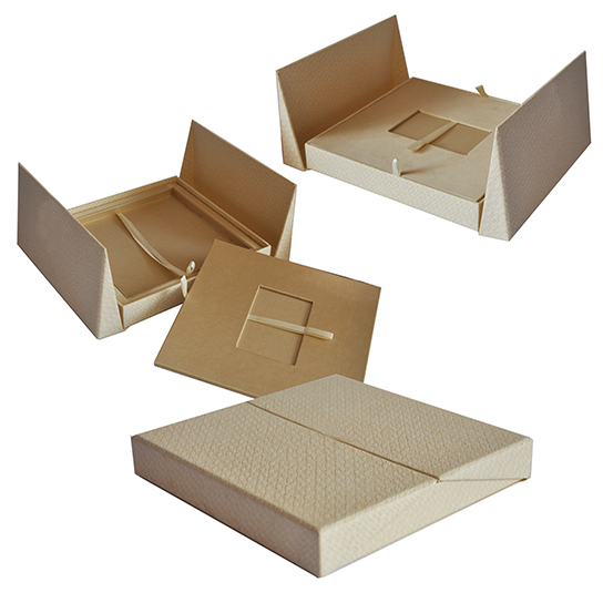 Короб бежевый под пластиковую карту